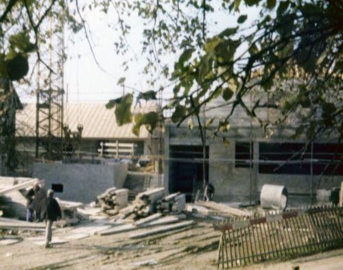 1970_Construction-salle-communale_Compesières_(Alfred_Barthassat) (4)